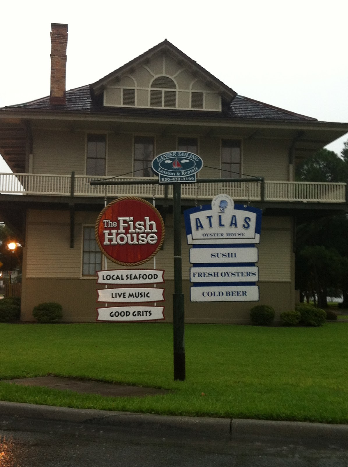 A florida favorite the fish house and grits a ya ya for The fish house pensacola fl